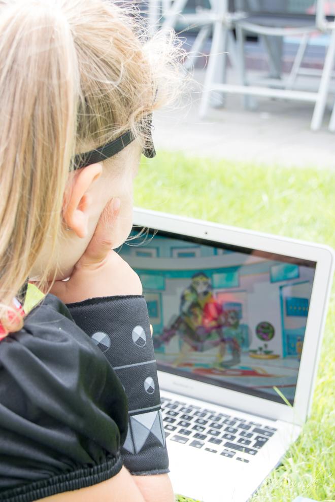 feierSun.de zeigt warum jedes Kind ein SuperGirl ist und was an den DC Super Hero Girls ganz besonders ist.