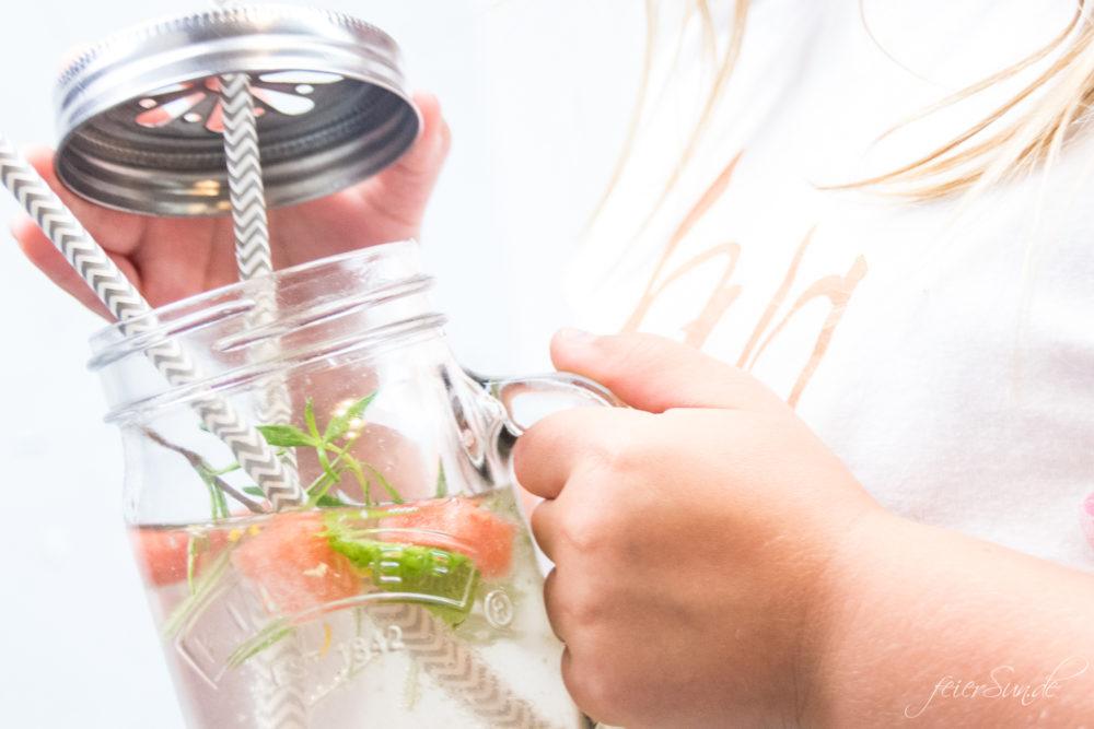 feierSun.de zeigt wie Du aus Gemüse einen Sirup selber machen kannst. Das Rezept für Wassermelonen-Sirup macht die Wassermelone trinkbar. feierSun.de I Familienleben I Lifestyle I Herz